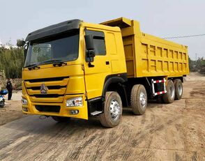 camion-benne SINOTRUK