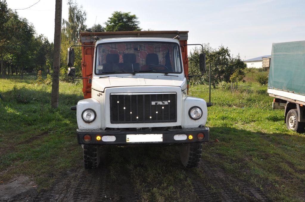 GAZ 3309 camion benne