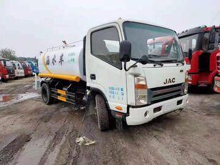 camion-citerne JAC ISUZU