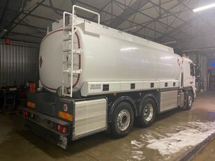 camion de carburant VOLVO FM 420