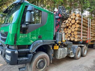 camion forestier IVECO TRAKKER