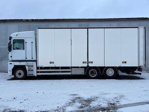 camion fourgon RENAULT MAGNUM 520.26