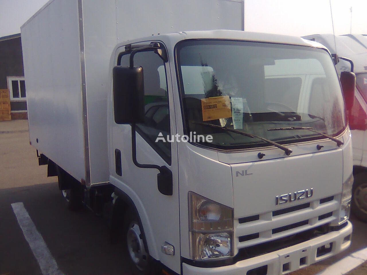 camion isotherme ISUZU NLR-85L