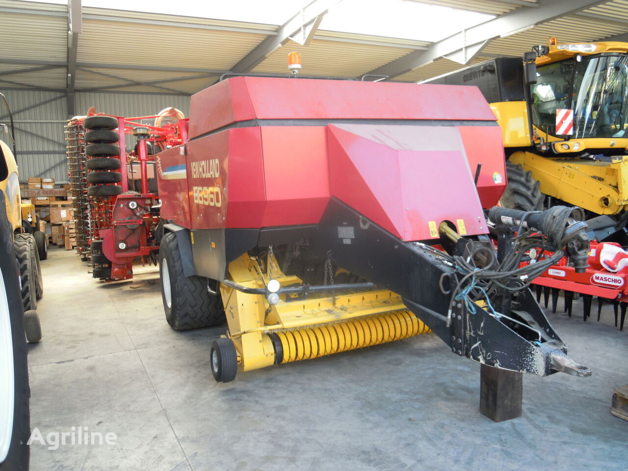 presse cubique NEW HOLLAND BB 950 Silage