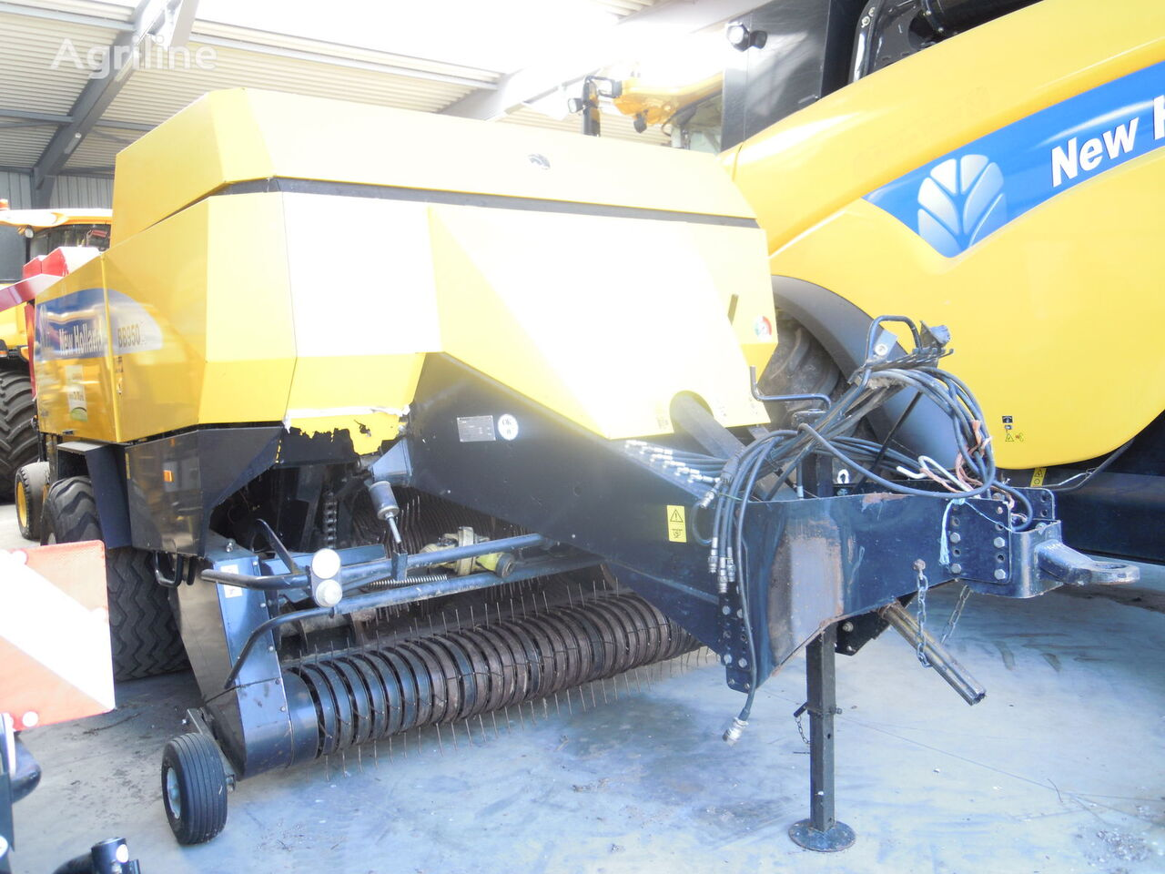 presse cubique NEW HOLLAND BBA 950 R