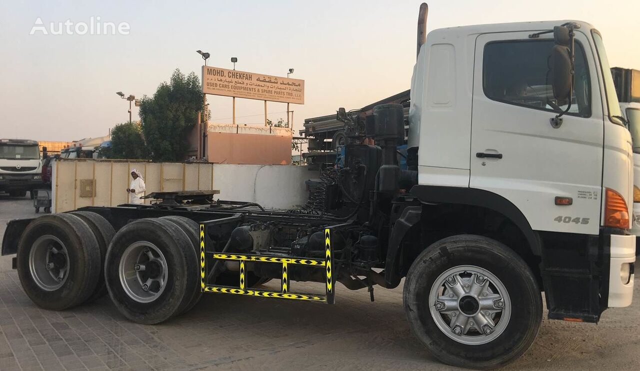tracteur routier HINO 4045